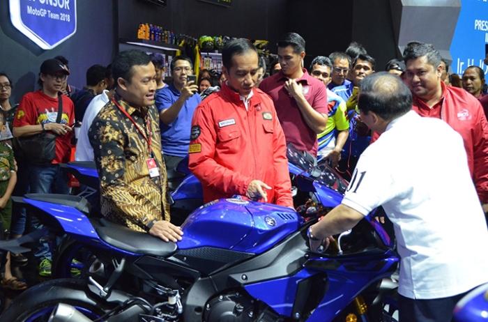 Jokowi ke Booth Yamaha IMOS 2018