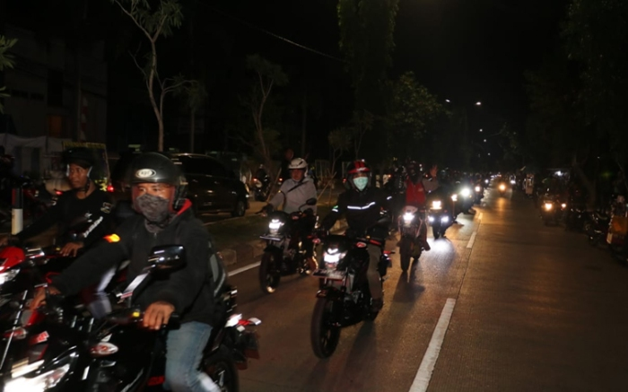 Suzuki Night Riding.jpg