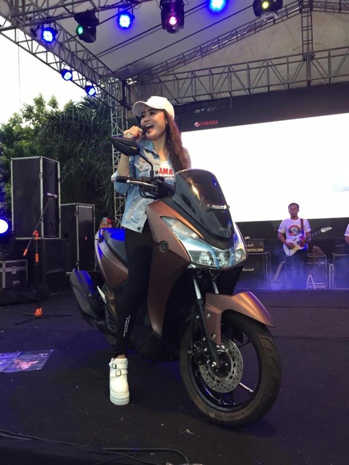 Nella Bersama Yamaha Lexi